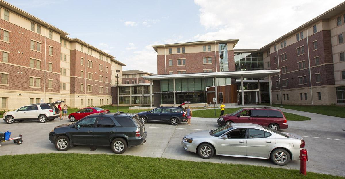 Photo of students moving into residence halls